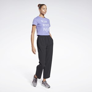 Camisa Feminina Reebok Work Beats Talent Graphic - Hyper Purple